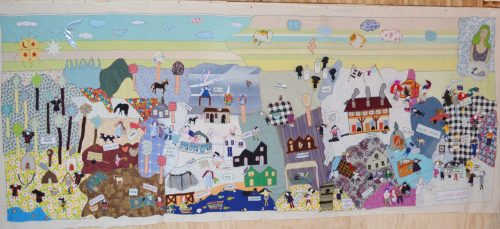 A 5.5 yard embroidery depicting the urban history of Lota from a female perspective.