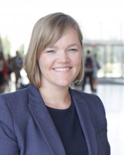 Photo of Dr. Jennifer Novak-Leonard