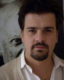 Headshot of Rodrigo Vidal