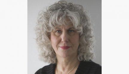 Head shot of Elizabeth Resnick