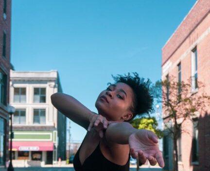 girl dancing in the street